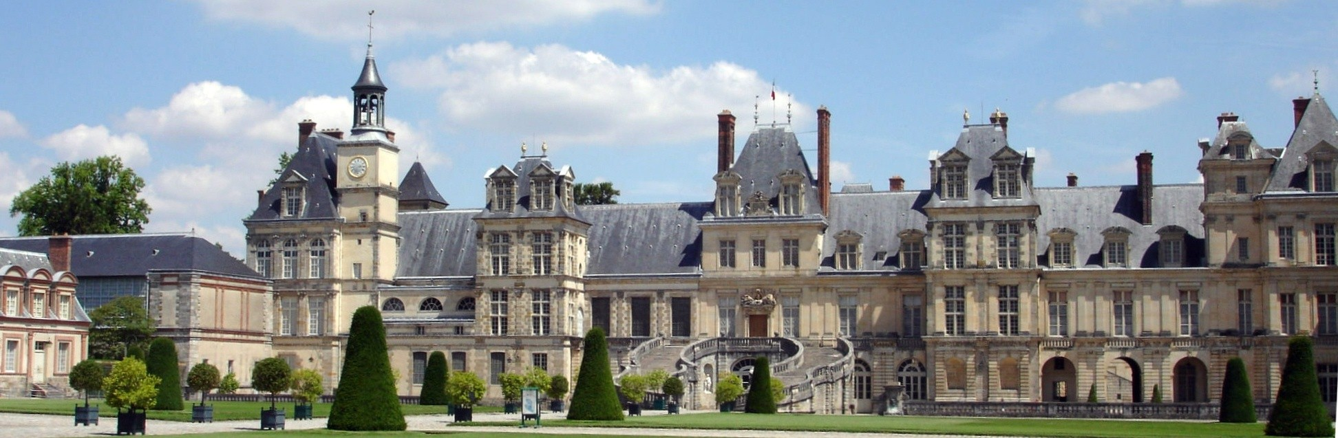 S.N.S.A. FONTAINEBLEAU